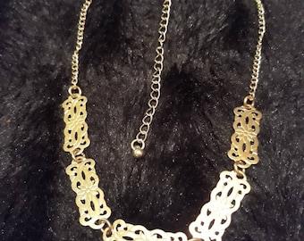 Vintage Celtic Knot With Flower Design Gold Tone Metal Choker Necklace