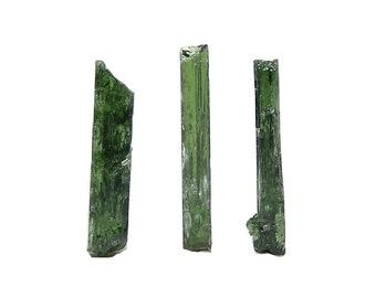 Emerald Green Chrome Diopside Gemstone Rough, 3 Jewelry Points,  Lapidary Rough, Semiprecious gem, DIY Craft Jewel, Semi Precious Geo Gem