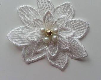 double fleur en dentelle blanc ivoire 65 à 70 mm