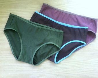 Women's hipster panties, set of three (3)