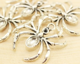 Antique Silver Spider Charm, Spider pendant, Spider jewelry, Spider Connectors, Necklace Connectors, Halloween Charms, trick or treat, SPCP