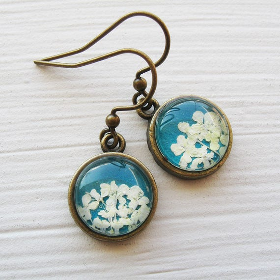 Mother's Day Gift - Real Pressed Flower Earrings - Tiny Round Real Queen Annes Lace Earrings - White and Turquoise