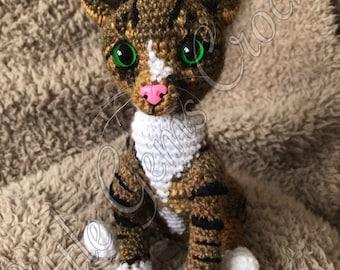 Crochet pet portrait - handmade pet miniature - pet model / pet doll / pet replica by Little Gems Crochet
