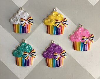 P73 Cupcake Pendant for Chunky Necklaces