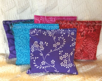 6 Lavender Sachets. Great for gifts, favors, freshening drawers,etc.Variety of colors; purple, blue, red, pink, green, teal