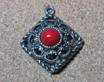 Signed Sarah Coventry Pendant