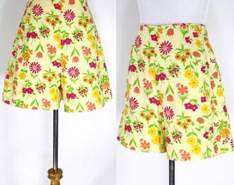 Vintage 1950s Shorts | 40s 50s Floral Cotton Shorts | Yellow Pink Orange | M L