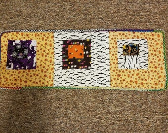HALLOWEEN TABLE RUNNER- Quilted