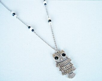 Great necklace silver OWL and black and white beads
