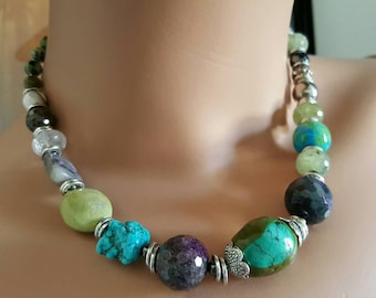 Turquoise Necklace, Turquoise and Amethyst Necklace, Multicolor gemstone Necklace, Short Necklace, Woman Necklace, Statement Jewelry, Chunky