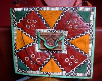 Handmade bag Tuareg, colorful and embroidered, 21cm x 25 cm, brown green orange white leather, interior pocket, Star