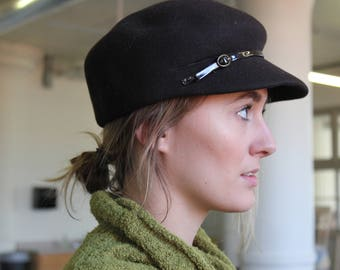 Felt Fiddler Cap With Patent Leather Strap and Buckle