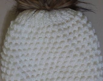 hat knit large white