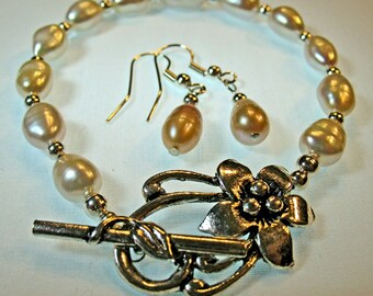 SET Bracelet and Earrings White Freshwater Cultured Pearls with Sterling Silver Beads