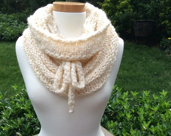 Off White Cowl, Off White Neck Warmer, Off White Scarf, Off White Winter Scarf, women's Scarff, Ivory Cowl, Ivory Scarf,