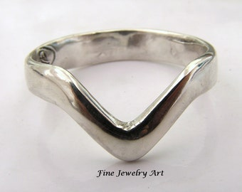 Sterling Silver Handmade Chevron V Ring