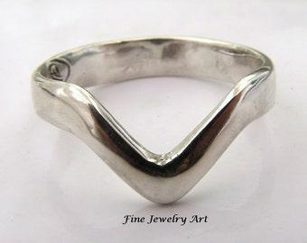 Sterling Silver Handmade Chevron V Ring