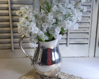 Oneida Silver Plate Pitcher in good Vintage Condition Party/Anytime/Decor/Special Occasion