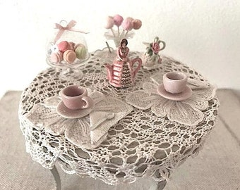 Dollhouse Miniature -  Romantic set table in 1:12 scale