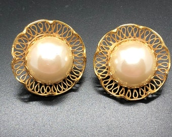 Vintage gold tone  Miriam Haskell faux mabe pearl earrings, clip on screw back combination, signed Haskell