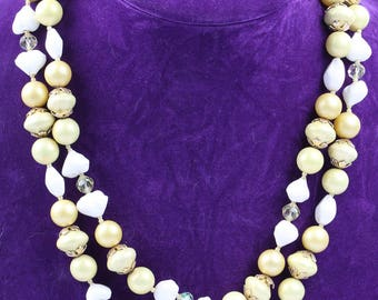 Cream and Yellow 1930s Necklace