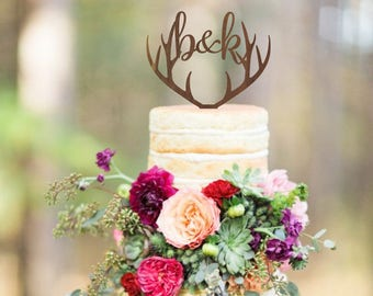 Personalized deer antlers cake topper, wedding cake topper, deer antlers topper, rustic wooden cake topper, initials topper