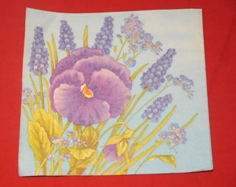 "paper flowers, ""thought and Muscari"" theme towel"