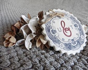 Initials Hanging Gift, Wedding Gift, Anniversary Gift