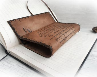 Shakespeare pouch, Leather Tobacco Pouch, Romeo Juliet Text, Personalized pouch, Pyrography  Leather, Portatabacco, Handmade leather