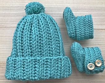 Baby bobble beanie and bootie set (sage)