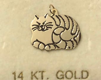 14 Karat Yellow Gold Happy the Cute Kitty Cat Charm 13 mm tall