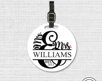 Mr. Mrs. Last Name and Date Round Luggage Tag, Single tag with Strap 3.5 Inch Round Custom Text on Back