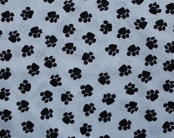 Timeless Treasures - Dogs 2939 - Black Paws on White