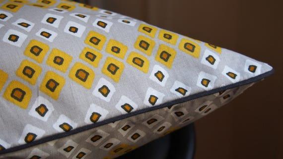 housse de coussin portefeuille en coton avec passepoil 40x40. Black Bedroom Furniture Sets. Home Design Ideas
