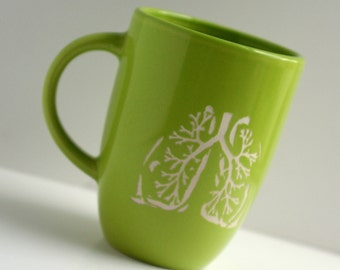 Anatomical Lungs- etched green mug