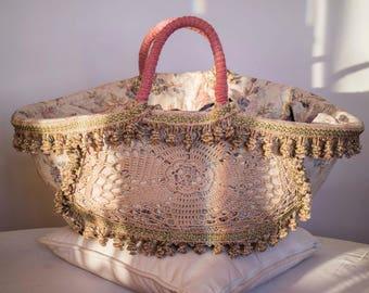 """Antica """"coffa siciliana"""" cucita a mano con pregiati tessuti antichi-real made in Italy"""