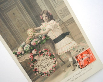 Happy Easter card postcard old 1911 little girl dress white-black-Easter eggs and white colors - antique French ephemeral