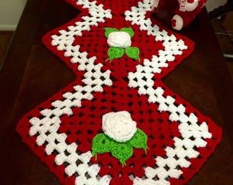 Kitchen table centerpiece,  Christmas Centerpieces, Crochet  Center Piece