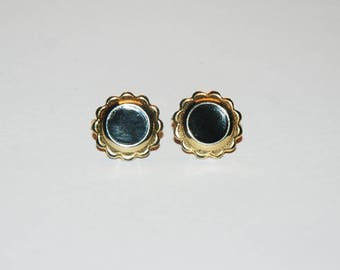 VINTAGE Studs / Black and Gold Flowers / Clip Ons