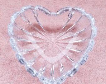 "Clear Glass Heart Jewelry / Trinket Dish - 3.5"" x 3.75"" x 1.25"""