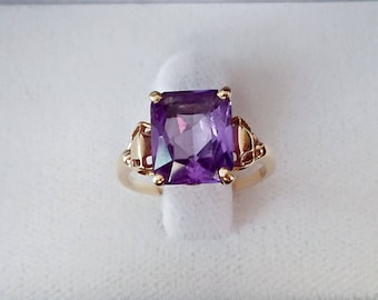 1950 Vintage emerald shape synthetic alexandrite 14K yellow gold ring size 6.25