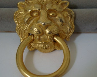 KENNETH LANE brooch 1950'S lion design 3 1/2 inch  tall x 2 1/4 inch wide , Used goldtoned brooch