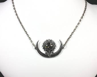 Single Isis Sun necklace