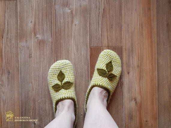 b860a1cabdb7 ... House ballet Handmade Women s female knit slippers crochet slippers  slippers granny Shoes for Knitted shoes square ...