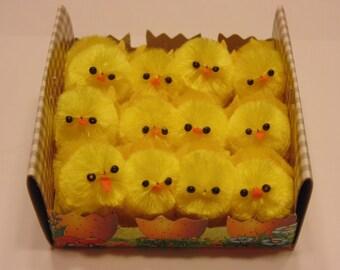 12 little chicks, 25 mm (A7)