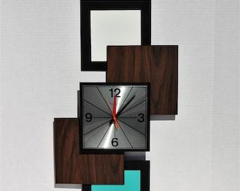 Vintage Mid Century Modern Retro Wall Clock 1960's BULOVA Transistorized Battery Operated Aqua Turquoise Danish Modern Geometric Atomic Mod