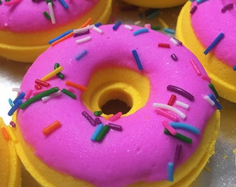 Vanilla Raspberry Bath Bomb Donut vanilla  berry Scent Natural Handmade Bath Fizzy doughnut- Donuts