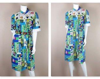 Vintage 1960s House Dress, Housedress, Robe / Cotton / Snap Front / Graphic, Bright, Shopping Theme Print / Sz M