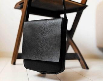 FOKS FORM Mi Bag 011, Minimal leather shoulder bag, messenger bag, crossbody bag