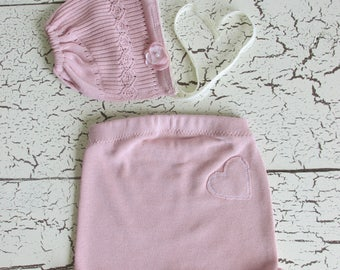 Newborn Girls Photo Prop outfit, handmade, pink heart shorts and bonnet, photography costume